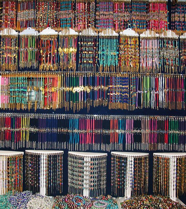 Kolyeler osmanlı takıları elişi çini mevlevi semazen bibloları