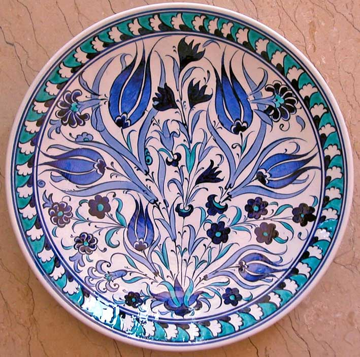 Klasik Osmanlı laleli Çini Tabaklar Mavi Beyaz Stil   Duvar ve Vitrin Süslemesi İçin Dekoratif Hediyeler