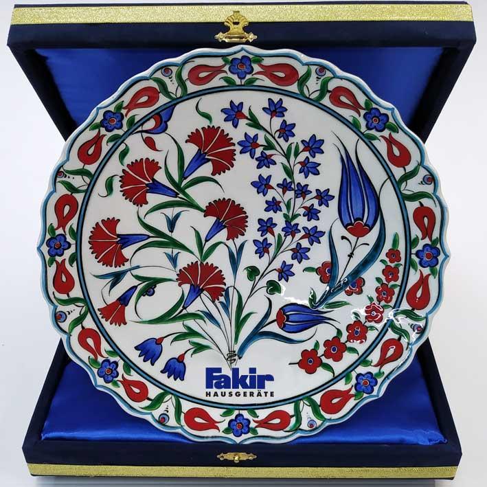 Klasik Desen Dekal Logolu Çini Tabaklar kurumsal hediyelik Çini sanatı örnekleri