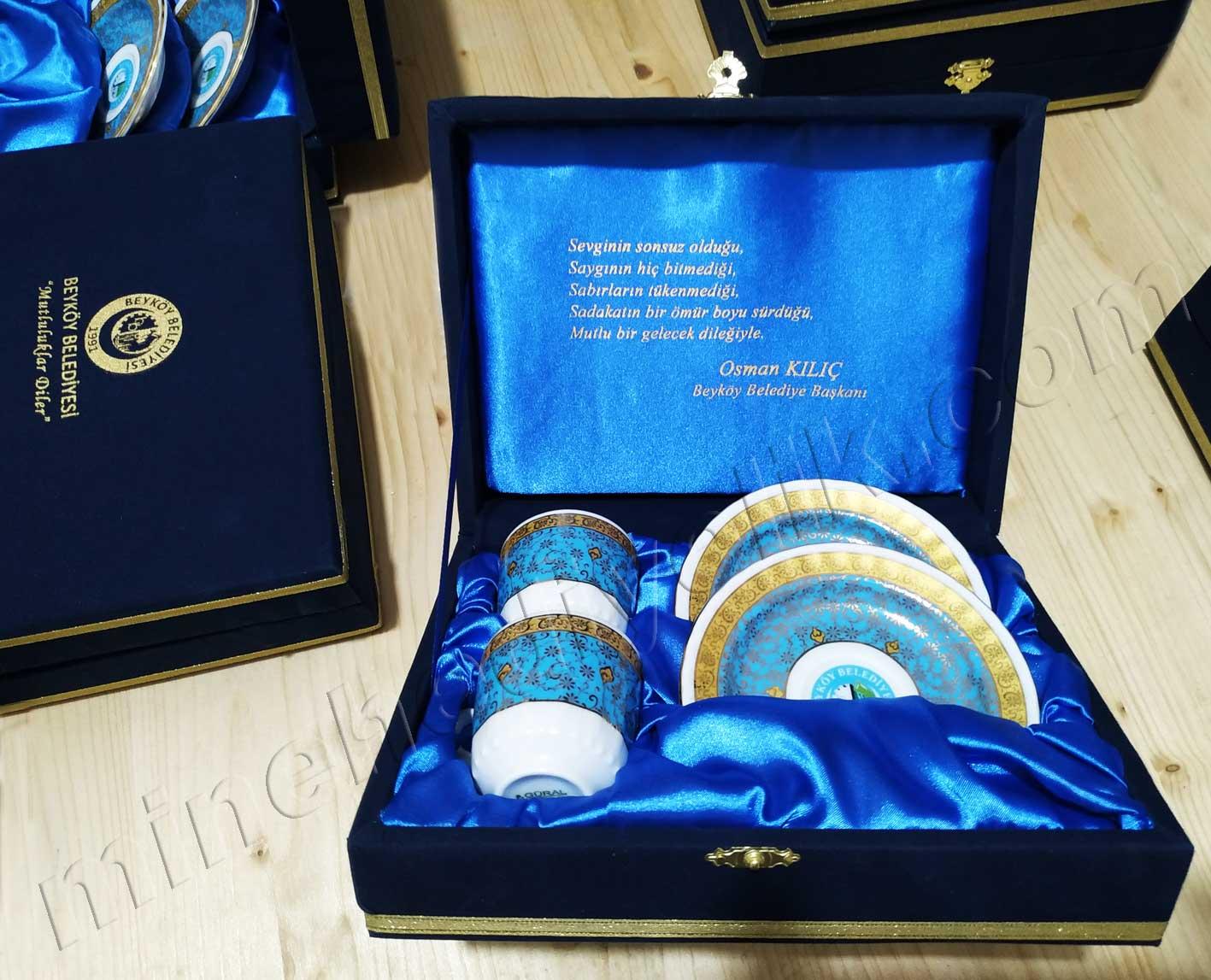 Belediyelere için düğün ve nikah törenleri için geleneksel ikili kahve fincan takımları firma logolu kahve fincanı hediyelik kahve fincan takımı