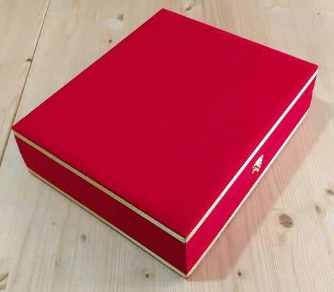 Kırmızı kadife kutulu ikili Türk Kahvesi Fincan Setleri Kurumsal Logo  Baskılı promosyon kutulu kahve fincan takımı keşif kahve seti kutu içine ve kutu üzerine baskı yapılmaktadır