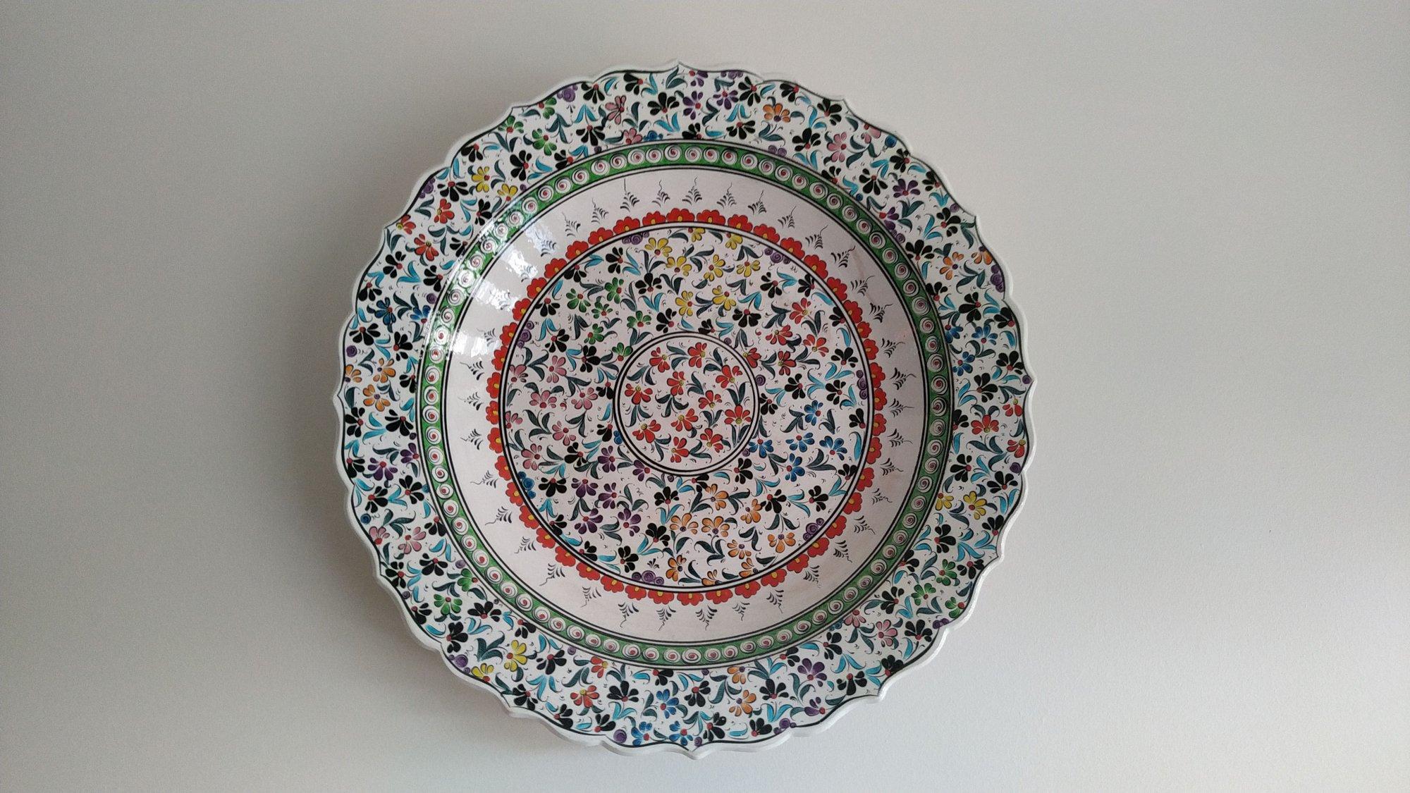 Osmanlı Çini Sanatı Örnekleri Klasik İznik ve Kütahya el yapımı çinileri  Klasik Desen Samur Fırça iznik ve Kütahya çini Tabak duvar süsleri Çini sanatı örnekleri