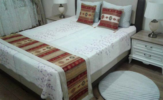 Bed Runners And Cushions Bedspreads Table Runners