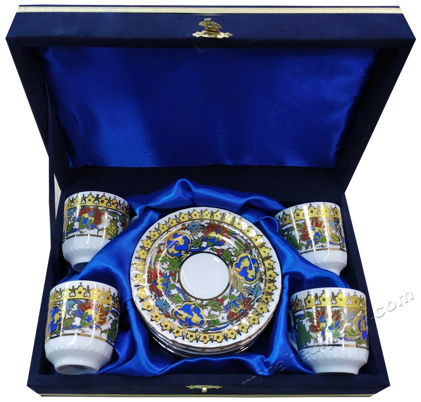 4 Kişilik Kahve Fincan Setleri Yabancı Misafirler İçin Türkiye ye Özgü Hediyeler Kadife Kutuda çini sanatı motifli türk kahvesi fincanı seti 4 lü fincan kutusu