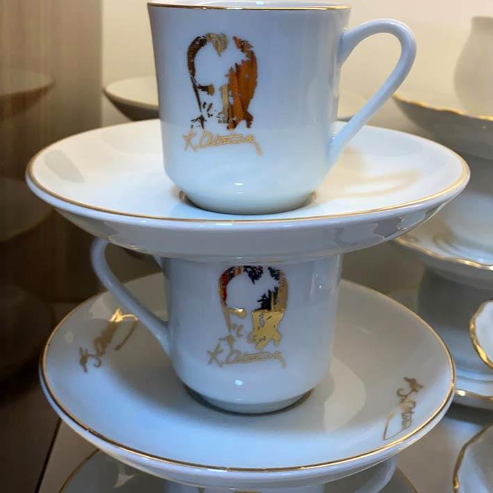 Atatürk Baskılı ve İmzalı Kahve Fincanı