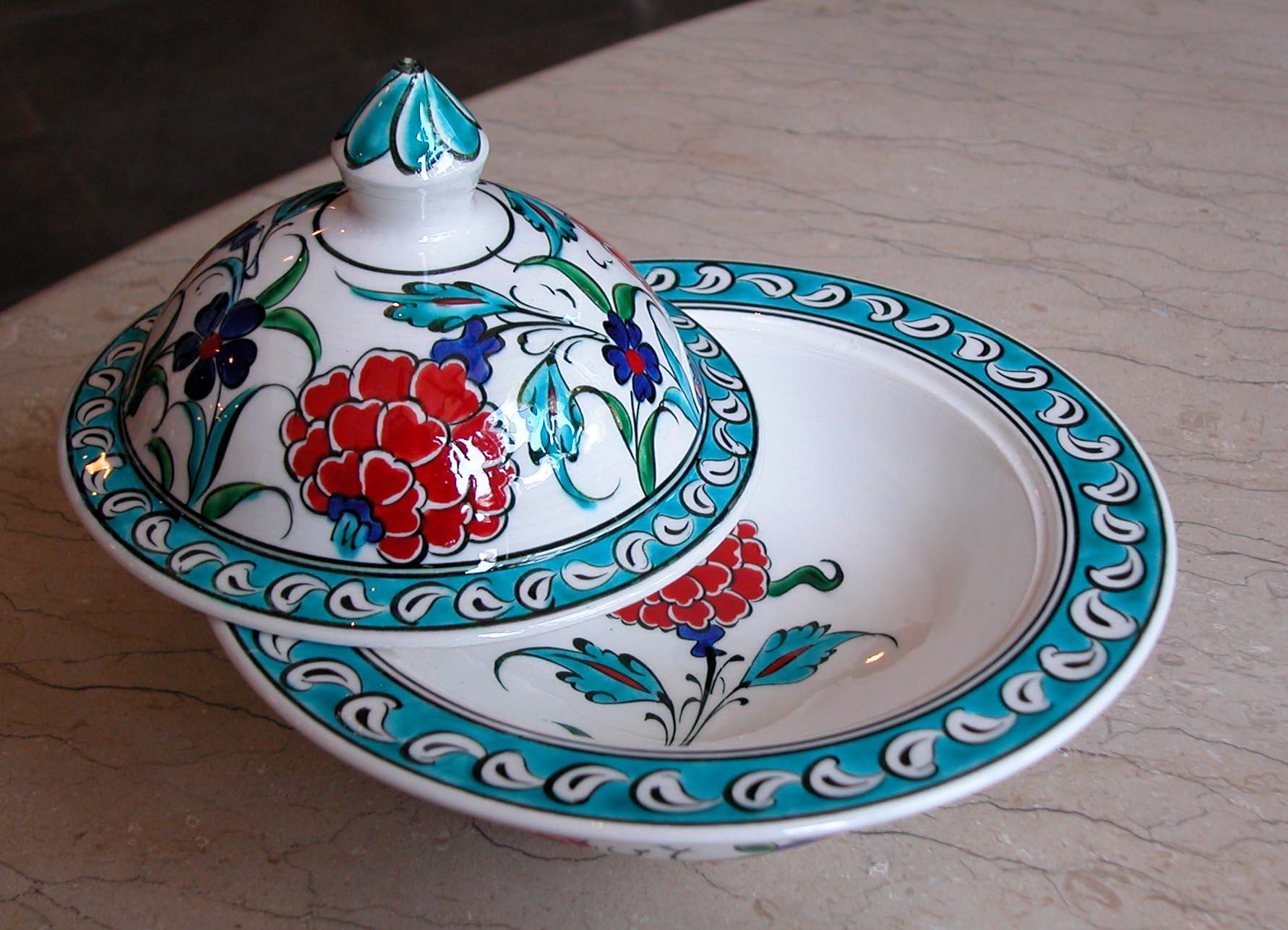 Klasik İznik Desenli Çini Şekerlikler Türkiye anısı hatıralar el yapımı Osmanlı lokumluklar