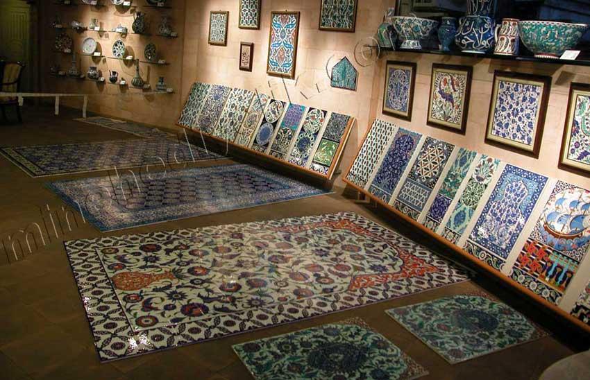Osmanlı tarzı dekorasyon amaçlı İznik ve Kütahya Çinileri çini pano atölyesi el yapımı karolar ve panolar