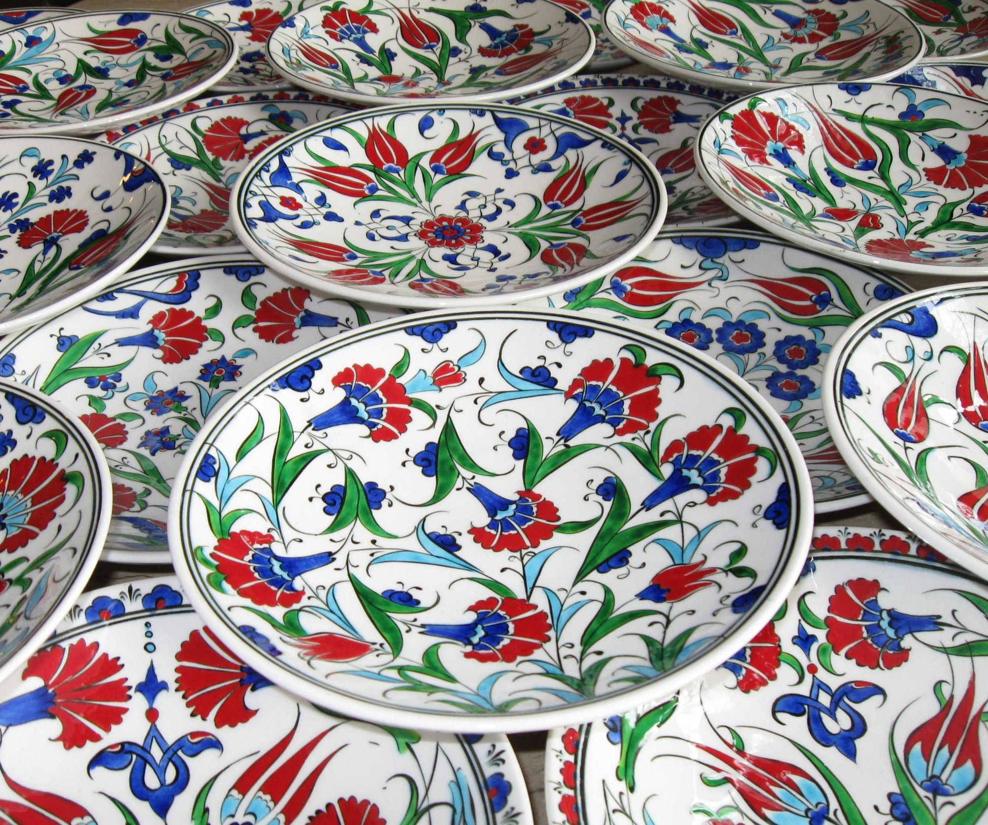18cm Klasik Çini Tabaklar  Duvara Asmalı Dekoratif Klasik Desen Samur Fırça iznik ve Kütahya çini Tabak El Yapımı Çini Tabak Geleneksel Desenli Çini sanatı örnekleri
