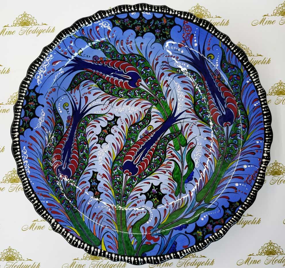 Lalezar 40 cm Çini Tabak  Mavi Zeminli Türkiye anısı hatıralar özgün 4 laleli mavi zeminli çini tabaklar Çini sanatı örnekleri