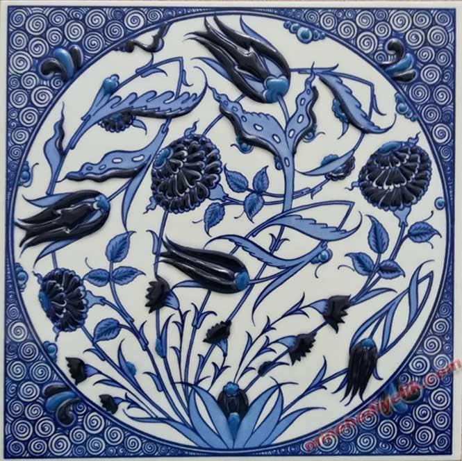 İznik Kütahya Mavi Beyaz Laleli Çerçeveli Hediyelik Çini Pano  Toplu Hediye Alternatifleri  Hediyelik Dekoratif çiniler geleneksel Kültürel Hediyeler mağazası