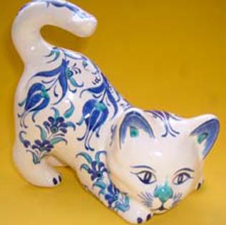 Çini ve Seramik Kedi Heykelcikleri Özel Tasarım ve Desenli Kedi şekilleri formları heykelleri hediyelik amaçlı hayvan figürleri Sevimli kediler sevimli hayvanlar dünyası