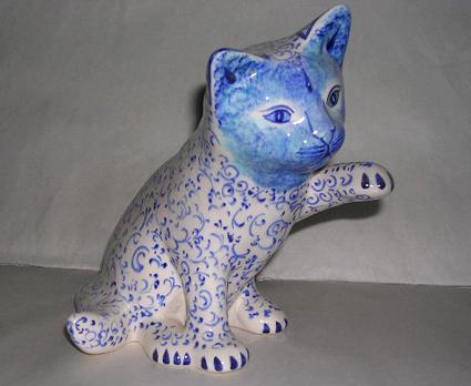 Kedi seven birine ne hediye alınır diye düşünmeden hediye edebileceğini kalıcı sanat eseri , el yapımı göz nuru , çini ve seramik sanatı biblolar, heykelcikler, çini desenli minik armağanlar