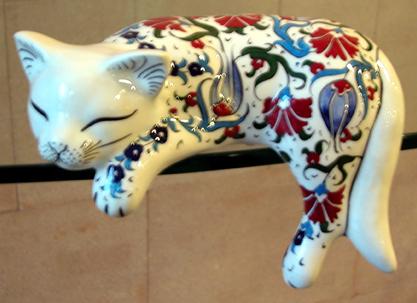 Evcil Hayvan Sahiplerine Özel Hediye Kedicikler evcil hayvanı olanlara alınabilecek  en güzel hediyeler el yapımı çini biblolar seramik hayvan heykelleri figürleri