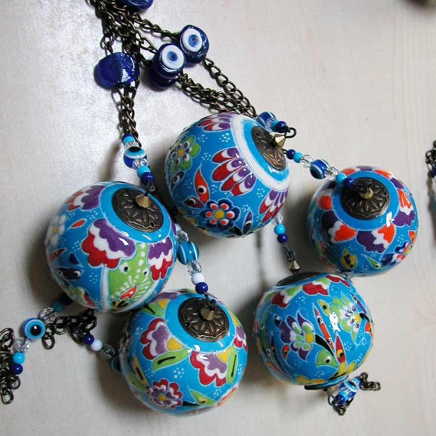 Çini Top Seramik Toplar ve Yumurtalar Otantik Duvar Tavan Dekoratif Süslemeleri İpli Zincirli Nazar Boncuklu