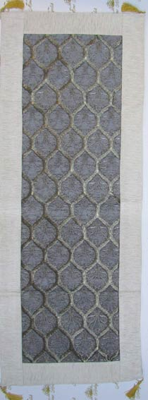 Dekoratif  Yolluklar Farklı Şık Ranirlar  Anadolu halı ve kilim motifli masa örtüleri