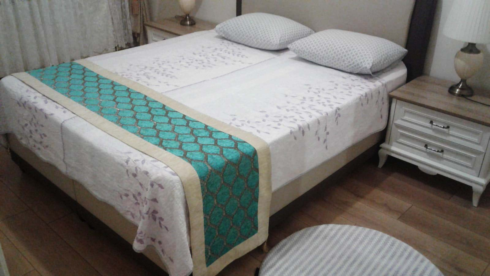 Bed Runners And Cushions Bedspreads Table Runners 2019
