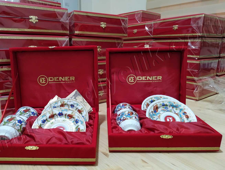 İkili Kurumsal Promosyon Kahve Setleri kırmızı renkli kadife kutuda kahve fincanı kaliteli türk kahvesi fincan takımları hediye amaçlı turkiyeyi temsil edecek