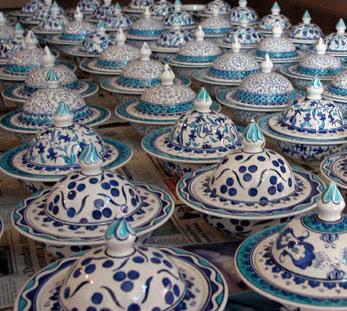 Klasik İznik Mavi Beyaz Gül Desenli Çini Şekerlik ve Lokumluklar Özel şekerlik kapları