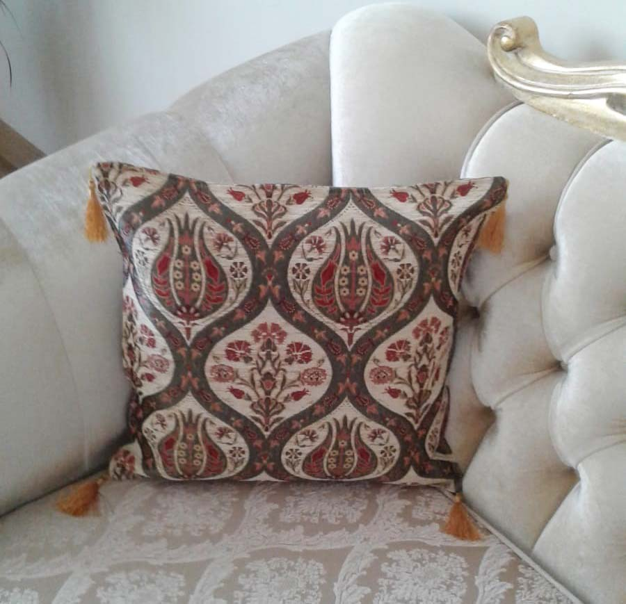 Ottoman Floral Tulip Decorative Thpow Pillow